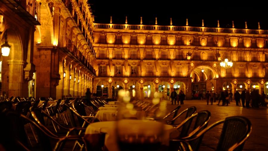 Plaza Mayor noite mesas