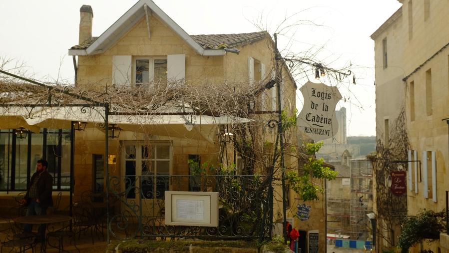 Restaurante e hotel Le Logis de La Cadene