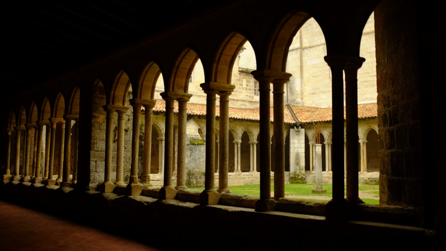 Convento do século XIV em Saint Emilion