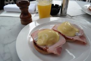 Ovos beneditinos do Riding House Café