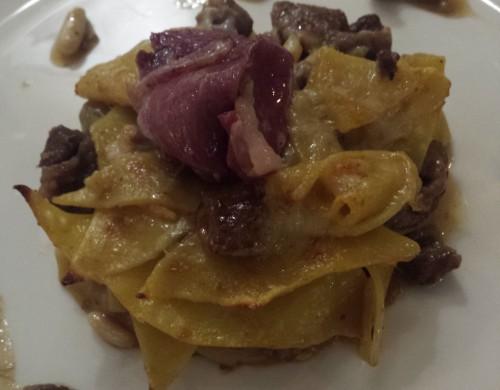 Prato típico da cozinha de Veneza do Séc. XVI: massa caseira com carne de ganso