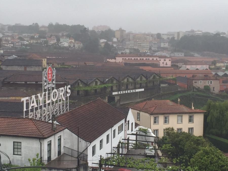 Os produtores de Vinho do Porto se concentram todos em Vila Nova de Gaia
